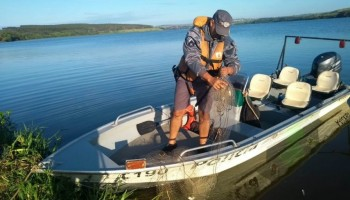 pm-ambiental-autua-por-pesca-ilegal-no-rio-tiete